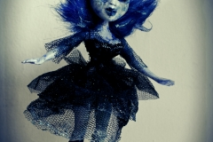 oddscene-dark-ice-ballerina-doll-art