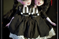 oddscene-siamese-twins-doll-art