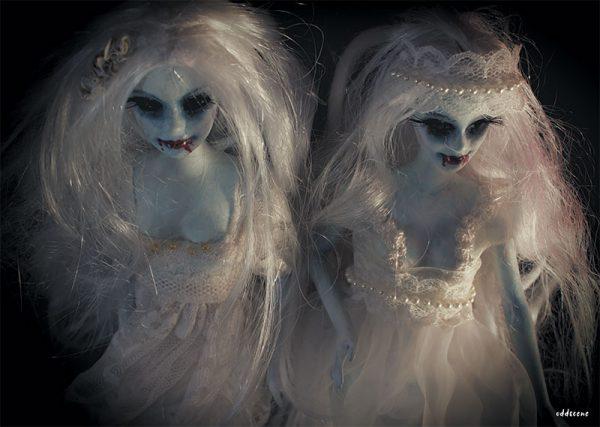 Oddscene - 'Twin Vampiras' (A3 print)